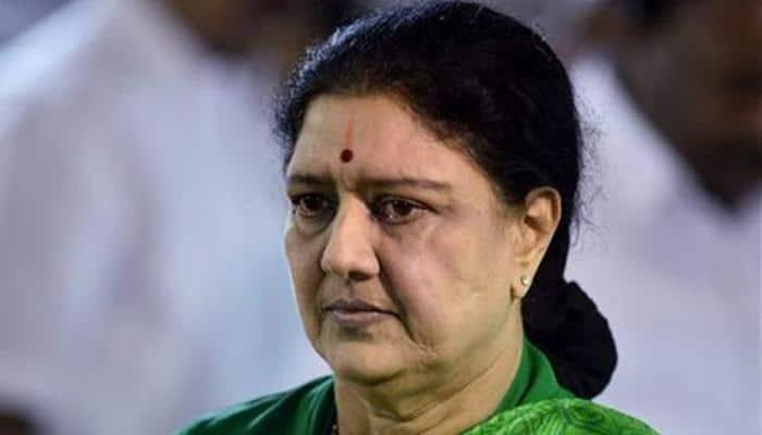 Supreme Court convicts Sasikala in DA case, dashes her bid to be Tamil Nadu CM