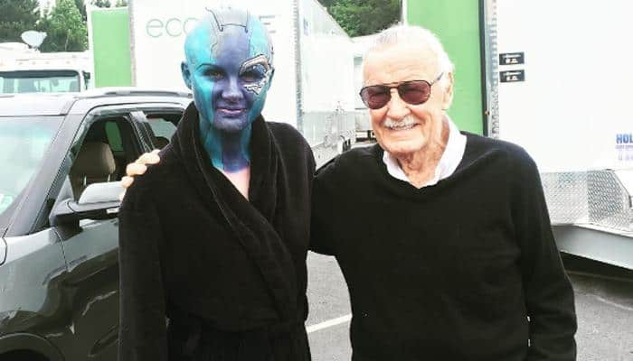 Karen Gillan poses with Stan Lee on 'Infinity War' set