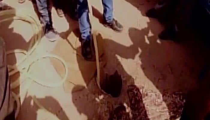 Four-yr-old falls into 500 ft deep borewell in Gujarat's Surendranagar, dies
