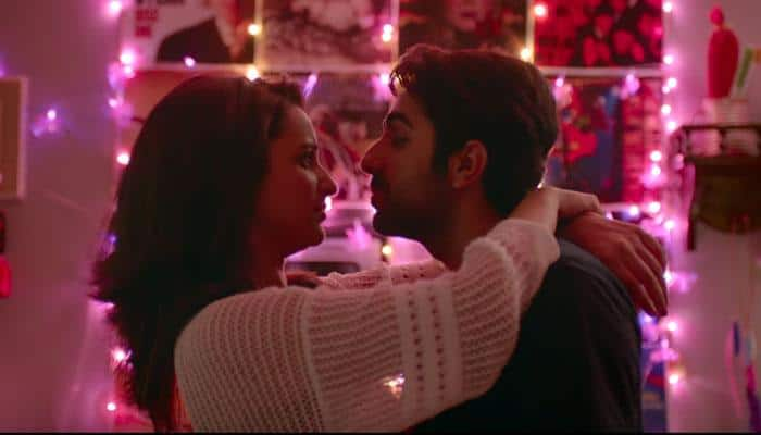Meri Pyaari Bindu, Chapter 5: Parineeti Chopra and Ayushmann Khurrana's love life is all about Bollywood songs!