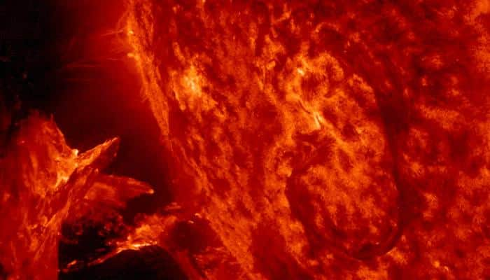 Solar storms can drain Earth's electrical charge - See video