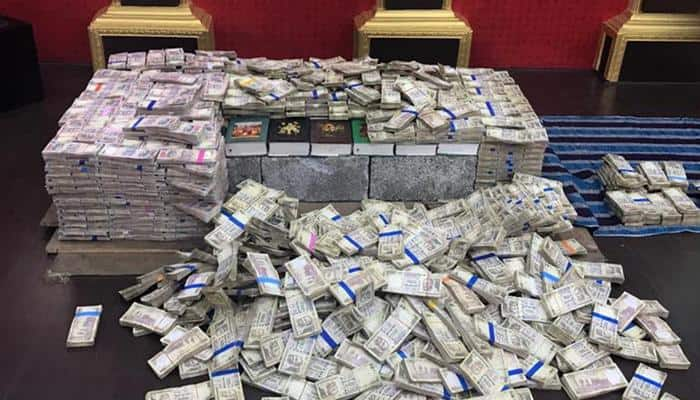 Banned notes worth Rs 14.80 crore found at ex-corporator's home in Bengaluru - Watch