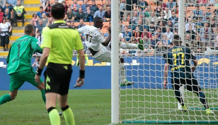 Cristian Zapata strikes late as AC Milan salvage Chinese-owned derby draw with Inter