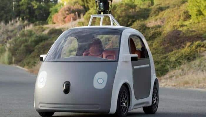 Fiat Chrysler, Google begin offering rides in self-driving cars