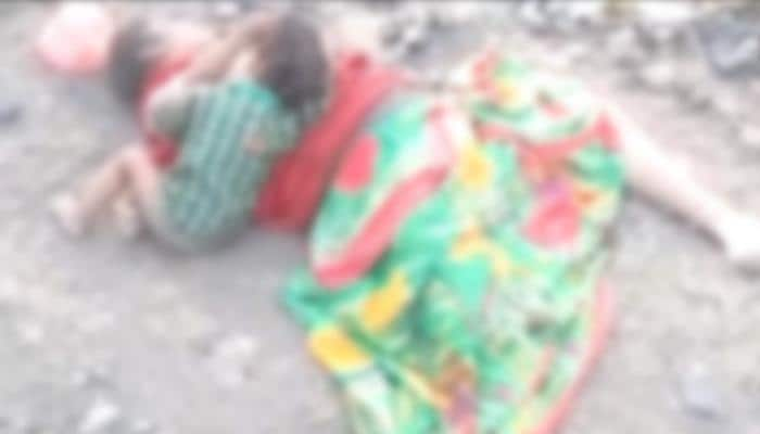 Madhya Pradesh: Mother lays dead by tracks in Madhya Pradesh, child tries to breastfeed - Watch