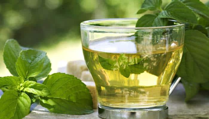 25-year-old man develops psychosis induced by herbal tea