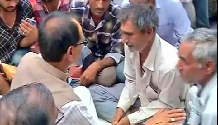 Madhya Pradesh CM Shivraj Singh Chouhan reaches Mandsaur, meets kin of farmers killed in police firing