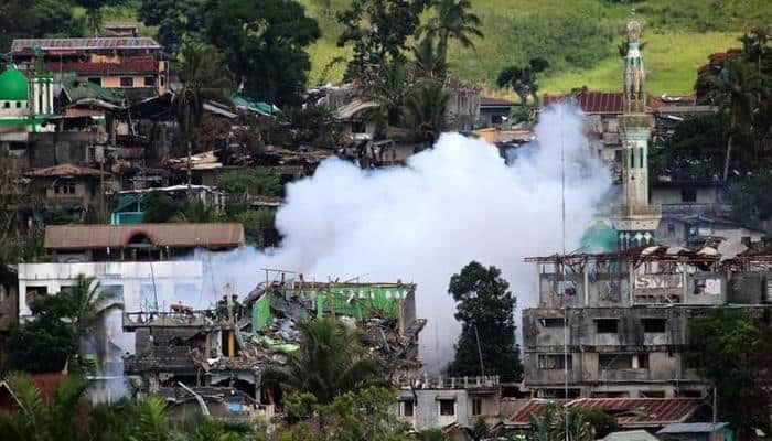 Philippines launches offensive in Marawi, with aim to end battle by weekend
