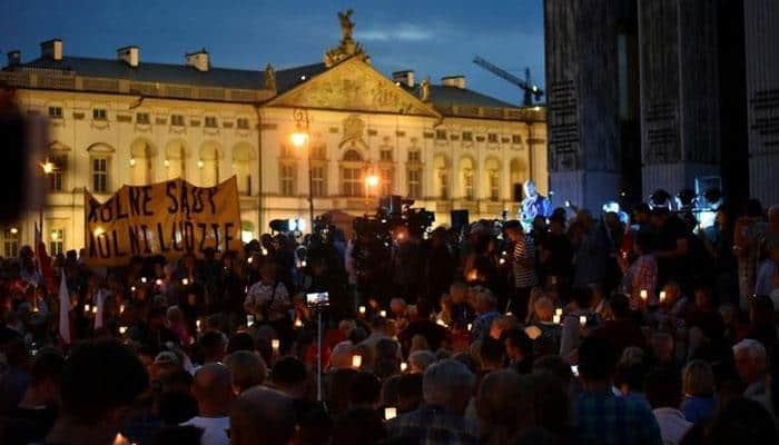 Thousands protest in Poland against judicial reforms