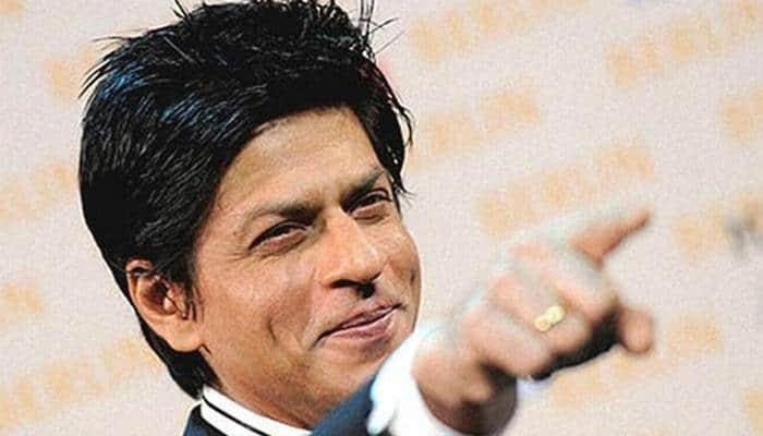 Shah Rukh Khan takes a break from smoking! Post inside