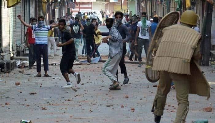 BJP says Nehru-Gandhi and Abdullah families responsible for Kashmir crisis
