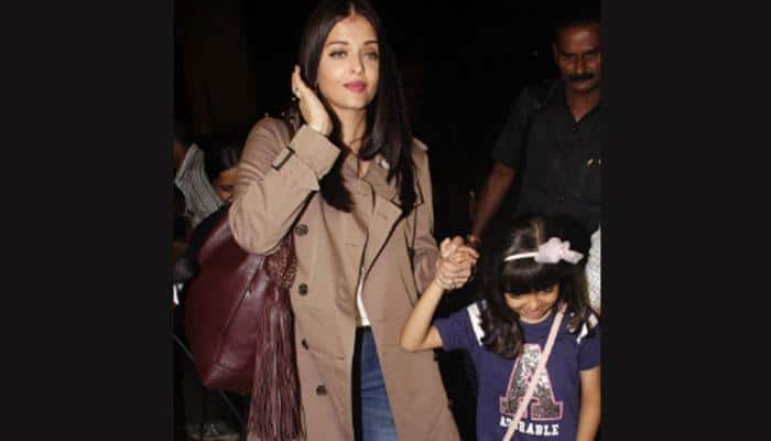 Aishwarya Rai Bachchan hoists the tricolor at IFFM with daughter Aaradhya