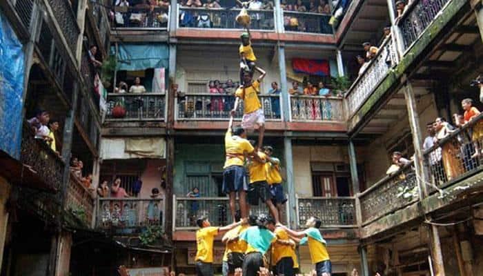'Dahi Handi' celebrated with nationalistic flavour in Maharashtra