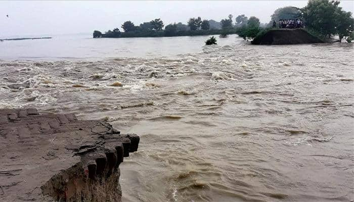 Flood situation remains grim in Assam, Bihar, North Bengal; death toll goes up, thousands affected