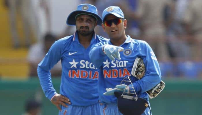 Harbhajan Singh responds to irate buyers, takes a dig at MS Dhoni