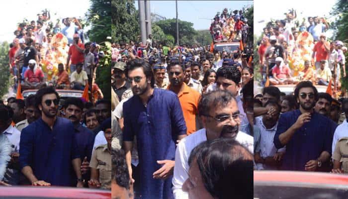 Ganpati Visarjan 2017: Ranbir Kapoor bids adieu to Bappa—Watch