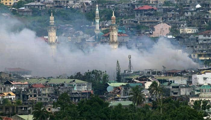 Philippines says some rebels ready to surrender as troops advance in Marawi