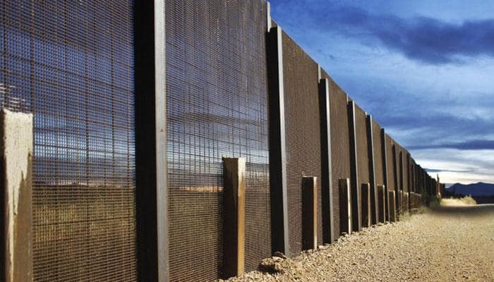 Work begins on prototypes for US-Mexico border wall