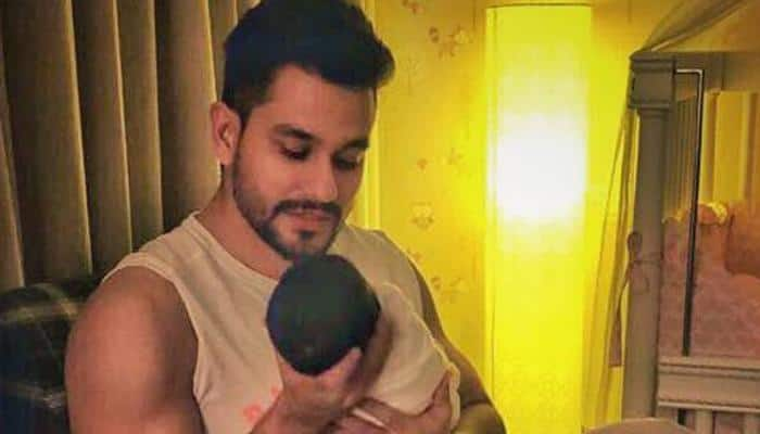 Kunal Kemmu's latest picture with daughter Inaaya will melt your heart
