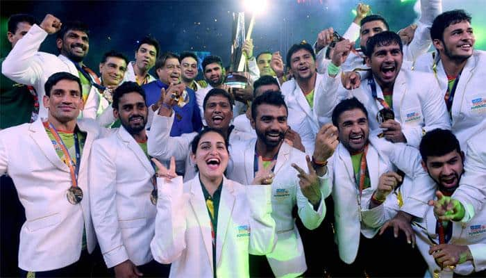 Pro Kabbadi League: Patna Pirates beats Gujarat Fortunegiants 55-38, lift hat-trick PKL titles