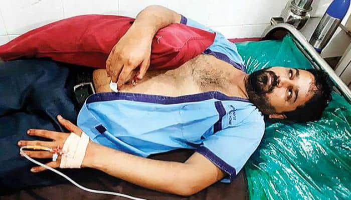 Over 100 hawkers beat up MNS men with rods and sticks in Mumbai