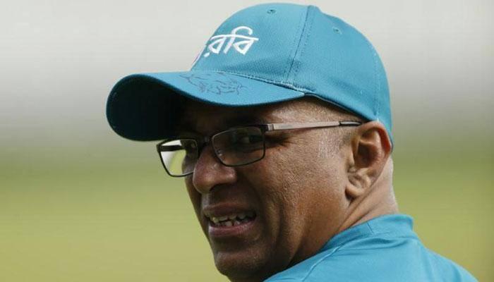 Sri Lanka in talks with Chandika Hathurusingha over coach job