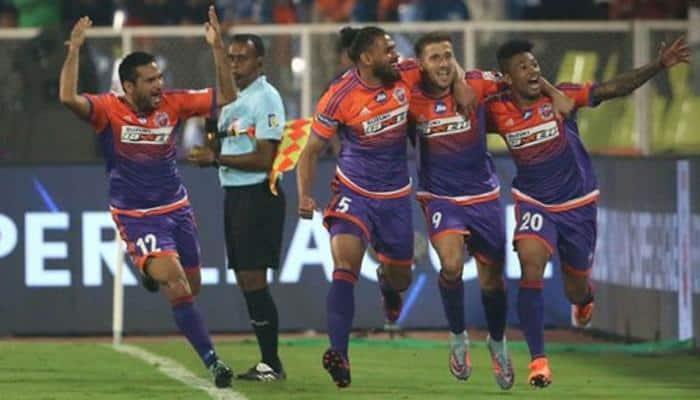 ISL 2017-18: Last-gasp goal helps Pune beat Mumbai 2-1 in Maharashtrian derby