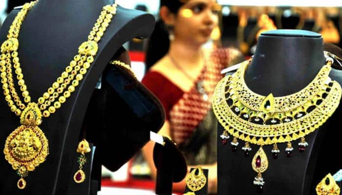 Robbers decamp with over Rs 40-lakh of ornaments in Delhi heist