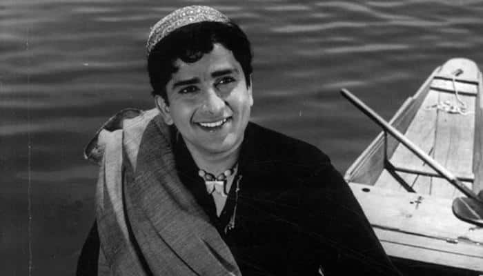 Watch: BBC confuses Shashi Kapoor with Rishi Kapoor and Big B; receives flak