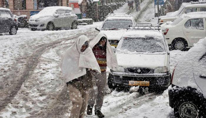 Snowfall in Shimla's Narkanda