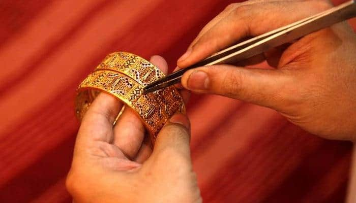 Gold price climbs Rs 230 to Rs 29,665 per 10 grams