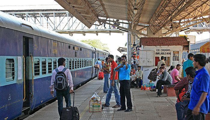 Misty Monday morning in Delhi, 12 trains cancelled