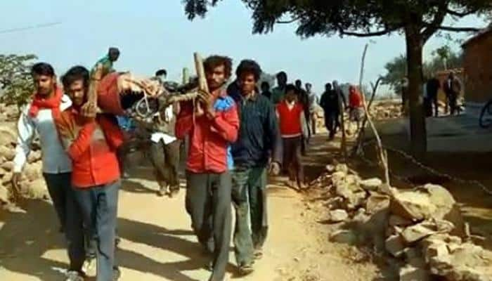 'Jobless' farmer commits suicide, family carries body on cot for post-mortem in MP