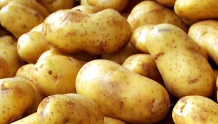 Potatoes dumped in Lucknow: Four policemen including Sub Inspector suspended