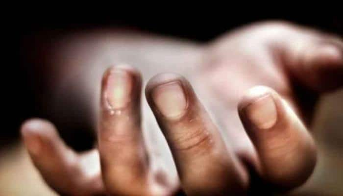 Hospital staff made to sleep with dead bodies in UP