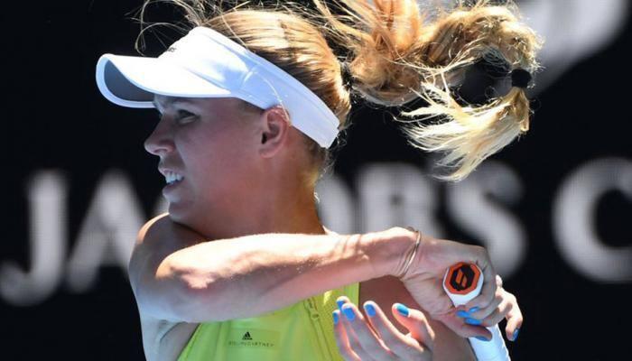 Caroline Wozniacki stutters into Australian Open semifinals