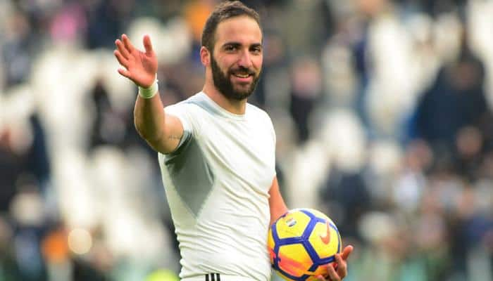Serie A: Napoli stay top as Gonzalo Higuain hits hat-trick in Juventus rout
