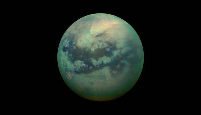 Researchers re-create Titan's ocean in lab to test NASA submarine