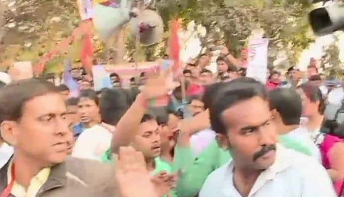 Kolkata: 14 members of Muslim family allegedly converted to Hinduism