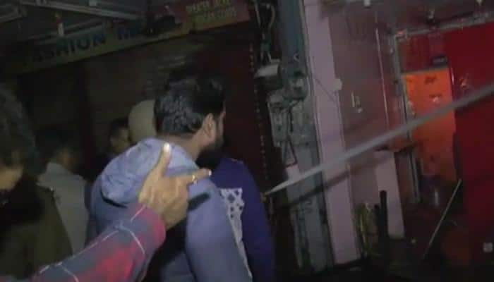 Fire in 5 shops in Kanpur's Naveen market, three fire tenders rushed