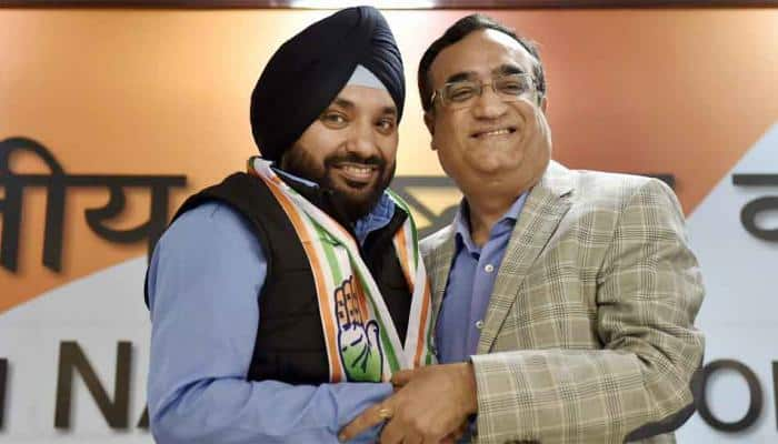 As Arvinder Singh Lovely returns to Congress, Sheila Dikshit offers an advice to Ajay Maken