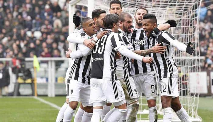 Alex Sandro lifts Juventus top of Serie A before Napoli play