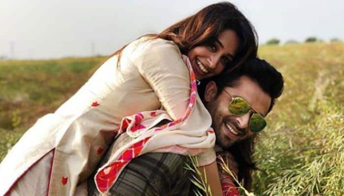 Dipika Kakar walks hand-in-hand with husband Shoaib Ibrahim, gets a royal welcome from in-laws