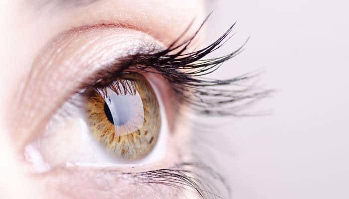 Artificial eye to help correct blurry images