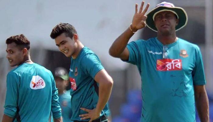 Bangladesh name Courtney Walsh interim coach for Nidahas T20I tri-series in Sri Lanka