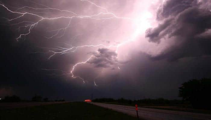 Five killed, over 90,000 left without power in US storm
