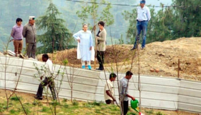 Sonia Gandhi in Shimla to review daughter Priyanka Vadra's under construction house