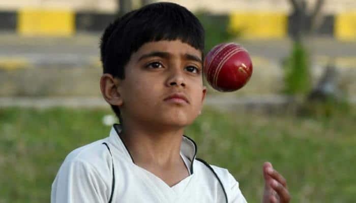 Cricket legends Shane Warne and Wasim Akram 'blown away' by Pakistani child bowlers