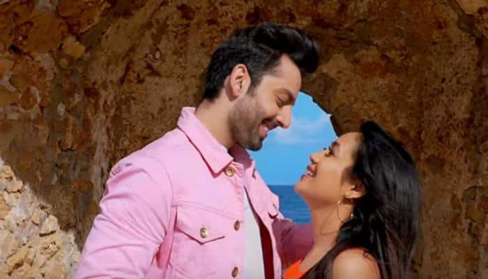 Neha Kakkar and Himansh Kohli's 'Oh Humsafar' song is perfect for lovers—Watch