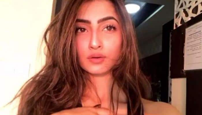 Shweta Tiwari's daughter Palak shuts troll like a boss who commented 'botox lips' on her pic